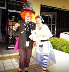 Halloween Alice in Wonderland in today's world. Halloween Alice In Wonderland, Holiday Costumes, Harajuku, Dress Up, Fashion, Moda, Costume, Fashion Styles, Fashion Illustrations