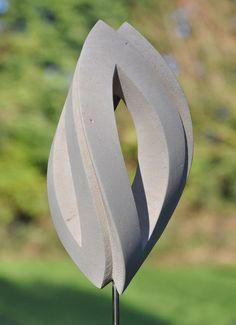 3 Gratien van Rob Zweerman. Een prachtig beeld voor binnen of buiten. Meer kunst van deze beeldhouwer is te zien op bij het Kunsthuys in Best en bij Ruimte in Beeld in Nuenen www.zweerman.nl