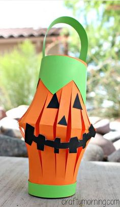 Pumpkin Toilet Paper Roll Lantern Craft #Halloween craft for kids to make!   CraftyMorning.com