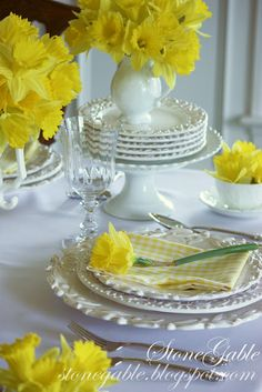 Just Love Stone Gable's table settings....this is daffodil perfection