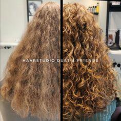 Wat een krullenknipbehandeling met SUPER lang haar kan doen, fris geknipte krullen bij de krullenkapper. Echt prachtig,.... Ik wil ook krullen 🌀💇🏻♀️ #krullenspecialist #krullenkapper #krullen #krul #knippen #krullenknippen #krulknippen #curls #kapper #curlygirl #curly #curlyhair #hair #hairstyle #curlyhairstyles #haarstudioduet #bighair #beauty #beforeafter #hengelo #enschede #oldenzaal #naturalhair #natural #twente #overijssel #nederland #linkinbio #dutch Curls, Curly Hair Styles, Beauty, Beauty Illustration