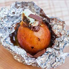 Makoisat grilliomenat - Reseptejä Baked Potato, Muffin, Dining, Breakfast, Ethnic Recipes, Food, Morning Coffee, Eten, Cupcakes