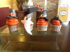 Halloween Cupcakes Halloween Cupcakes, Jar, Desserts, Food, Home Decor, Homemade Home Decor, Meal, Deserts, Essen
