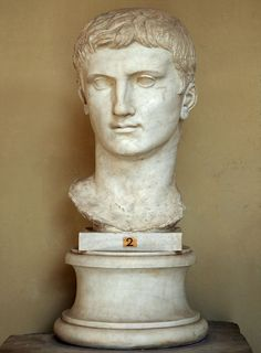 Augustus, head of (colossal) Roman statue (marble), century AD, (Musei Vaticani, Vatican City). Ancient Rome, Ancient Art, Ancient History, Art History, Roman Artifacts, Famous Historical Figures, Roman Sculpture, Classical Antiquity, Costumes