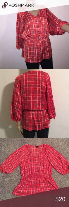 3/4 blouson sleeve fitted waist v-neck top Orange/white/grey 3/4 blouson sleeve v-neck top with bronze colored buttons. Banana Republic Tops Blouses