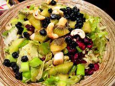 ΜΑΓΕΙΡΙΚΗ ΚΑΙ ΣΥΝΤΑΓΕΣ: Σαλάτες διάφορες !!! Hors D'oeuvres, Rustic Kitchen, Fruit Salad, Menu, Cooking, Easy, Recipes, Food, Master Bedroom