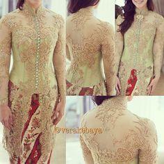 Fitting matilda by Vera Kebaya, Kebaya Lace, Kebaya Brokat, Kebaya Dress, Batik Kebaya, I Dress, Lace Dress, Kebaya Muslim, Kebaya Moden