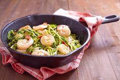 Espaguetis de calabacín con gambas ¡Ligeros y sabrosos! #EspaguetisDeCalabacinConGambas #EspaguetisDeCalabacin #RecetasConEspaguetis #RecetasLigeras #RecetasSaludables