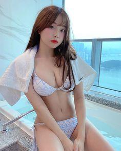 Asian Model Girl, Asian Girl, Asian Models, Kim Ah Young, Swimsuits, Bikinis, Swimwear, Korean Beauty, Kpop Girls
