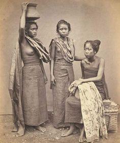 Drie slavinnen van de radja van Boeleleng, 1865