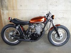 Berry Bads Motorcycles are yet another Japanese custom tuner/builder who's work has caught my attention. With a gallery full of Bobbers, Brat style, Flat Bowie Heroes, Brat Bike, Sr500, Bike Photo, Speed Bike, Bobber, Custom Cars, Cars And Motorcycles, Motorbikes