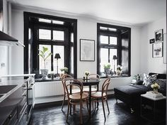 Black windows and architraves. Balanced by the black floor. Black Window Trims, Black Windows, Black Doors, Black Wooden Floor, Small Apartments, Small Spaces, Interior Door, Interior Design, Turbulence Deco