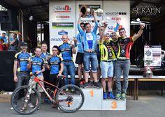 W ubiegłą sobotę w czeskiej Opawie odbył się MTB Silesia Bike Marathon – wyścig, który na stałe wpisał się w kalendarz startów kolarzy zespołu Kreidler Fan-Sport MTB Racing Team. W tegorocznej edycji znakomicie zaprezentował się Mateusz Nieboras – kolarz wygrał w swojej kategorii wiekowej i zajął 3. pozycję w klasyfikacji OPEN. Dzięki dobrym wynikom poszczególnych zawodników drużyna okazała się lepsza od 28 innych zespołów i zajęła 2. miejsce w klasyfikacji drużynowej. Więcej…