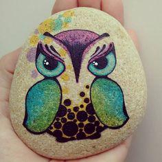 Y tú!!! #handmade #stone #stonepainting #stonelovers #rock #personalizado…