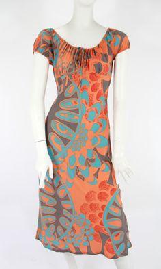 There are new prints at Manuhealii. I really want this makamae dress.