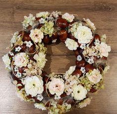 Krans /kastanje,gedroogde hortensia. Kunstbloemen,bontje,ed. Creatief bezig zijn love it ❤