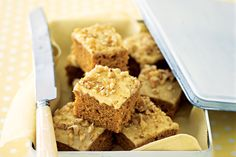 Gingerbread Cake by Taste. Serve this gingerbread cake fresh out the oven or pack it in a lunch box for an afternoon treat. No Bake Treats, No Bake Desserts, Dessert Recipes, Xmas Desserts, Cupcake Recipes, Yummy Recipes, Recipies, How To Make Gingerbread, Gingerbread Cake