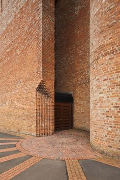 St Bride's Church, East Kilbride, Scotland by Gillespie, Kidd & Coia, Architecture Design Concept, Detail Architecture, Plans Architecture, Contemporary Architecture, Architecture Photo, Angular Architecture, Kindergarten Architecture, St Brides, Brick Detail
