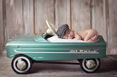 Hope to borrow a car like this from Linda! Bruinenberg Longres :) Baby photography with antique Murray pedal car as a prop Baby Poses, Newborn Poses, Newborn Baby Photography, Baby Boy Newborn, Children Photography, Newborn Shoot, Urban Photography, Newborns, Newborn Pictures