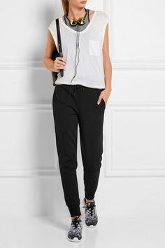 Jersey de coton mélangé noir  S'enfile simplement  69 % coton, 31 % polyester ; doublure des poches : 100 % coton   Lavage en machine