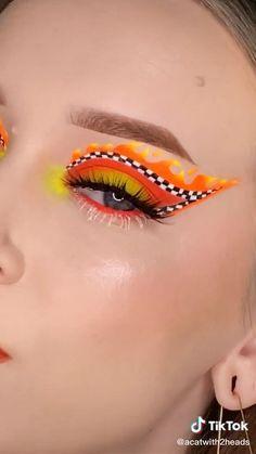 Crazy Eye Makeup, Makeup Eye Looks, Creative Makeup Looks, Eye Makeup Art, Colorful Eye Makeup, Beautiful Eye Makeup, Cute Makeup, Pretty Makeup, Skin Makeup