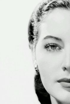 Old Hollywood Glamour, Golden Age Of Hollywood, Vintage Hollywood, Hollywood Stars, Classic Hollywood, Hollywood Icons, Ava Gardner, Lauren Bacall, Kino Movie
