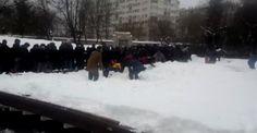 İstanbul'da cenaze namazı sırasında tente çöktü İstanbul Ataköy 5. Kısım Camii'nde cenaze namazı sırasında kardan dolayı tente çöktü. Kar altında kalan insanlar olduğu öğrenildi. http://feedproxy.google.com/~r/dosyahaber/~3/xM8OQ0iIf2A/istanbulda-cenaze-namazi-sirasinda-tente-coktu-h11152.html