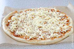 pizza: tipy a triky Hawaiian Pizza, Vegetable Pizza, Menu, Vegetables, Food, Menu Board Design, Essen, Vegetable Recipes, Meals