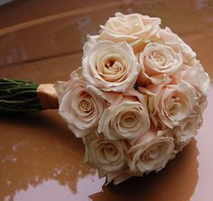 Creamy blush/champagne Sahara roses ~ so simple but elegant!