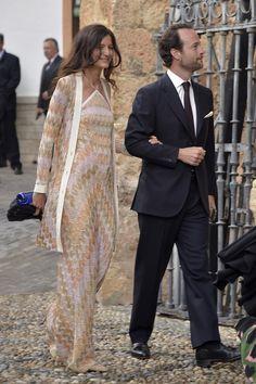 El multimillonario y la descendiente del Duque de Wellington se han dado el 'Sí quiero' en Íllora, con el Rey Juan Carlos, Tatiana Santo Domingo y Andrea Casiraghi, o Camilla Parker entre los invitados.