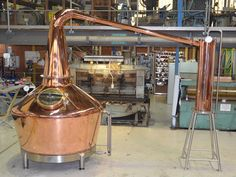 Copper Stills Stainless Tank & Mix provide Custom Fabricated Copper Stills that meet specific, & unique requirements in various industries and applications. Moonshine Still Plans, Copper Moonshine Still, Home Distilling, Distilling Alcohol, Distillery, Brewery, How To Make Whiskey, Stainless Steel Fabrication, Whiskey Still