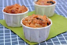Muffins salés aux flocons d'avoine, au Parmesan, olives noires et coulis de tomates