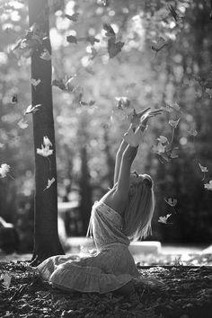 Hojas secas de otoño ya giran en mi alma.
