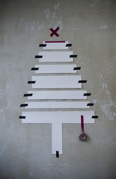Washi Tape used for Wall Xmas Tree concept