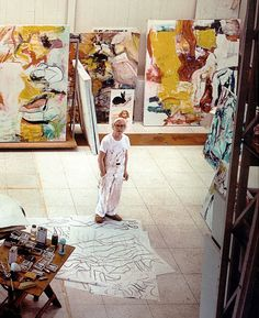 Willem de Kooning - Abstract Expressionism - In his studio 1982 Willem De Kooning, Jackson Pollock, Artist Art, Artist At Work, Atelier Photo, Expressionist Artists, Illustration, East Hampton, Art Moderne