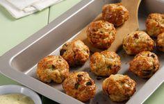 Οι απόψεις εδώ διίστανται όχι μόνον ως προς τα υλικά αλλά και ως προς την παρασκευή τους. Διασταυρώνοντας γνώμες, αλλά και την εμπειρία παραδοσιακών μαγείρων καταλήγουμε σε μια συνταγή, την πιο κλασική. Ground Meat, Dessert, Greek Recipes, Recipies, Muffin, Cooking Recipes, Favorite Recipes, Chicken, Breakfast