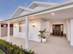 Property Report for 27 Sturrock Drive, Boorooma NSW 2650 House Paint Exterior, Dream House Exterior, Exterior House Colors, Exterior Design, Beach Bungalow Exterior, Hamptons Style Homes, Hamptons House, Weatherboard Exterior, Facade House