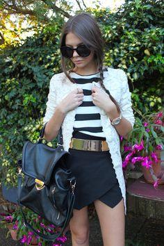 asimetrica de picos negra & camiseta - rebeca - complementos blanco & negro