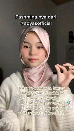 Square Hijab Tutorial, Simple Hijab Tutorial, Pashmina Hijab Tutorial, Hijab Style Tutorial, Stylish Hijab, Casual Hijab Outfit, Abaya Fashion, Muslim Fashion, Hijabi Girl