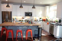 how to paint cabinets i like the set up with the kitchen triangle and the colors 17183