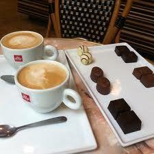 leonidas chocolate cafe