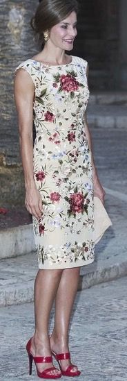 Love Letizia's shoes.