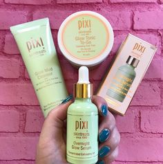 Review of the Pixi Beauty Glow Products with Glycolic Acid - great for acne scars, brown spots, sun spots and fine lines