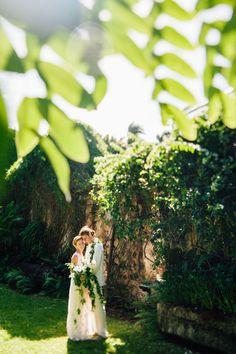 Elegant Wedding at the Haiku Mill in Hawaii || Maui Wedding Photographer || Jane in the Woods Wedding Photographie in Sedona