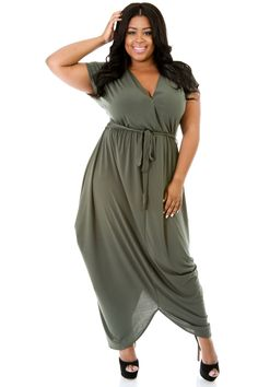 Plus Size Pouf Maxi Dress - StarStruckFashion