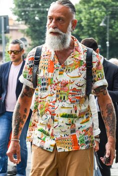 I like that Venice-themed shirt. Older Mens Fashion, Denim Fashion, Loafer Sneakers, Suit Shirts, Chic, Nice Dresses, Knitwear, Dressing, Style Inspiration