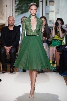 *Dream in green* I do!   Georges Hobeika at Haute Couture Fashion Week Paris: A/W 2012-2013- The plunging neckline