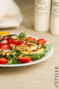 Halloumi, Healthy Salad Recipes, Healthy Food, Cobb Salad, Tea Party, Chili, Grilling, Salads, Food And Drink