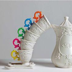 I-Wares Porzellanbecher,  Verzierung im Barock-Stil Mehr Gedeckter Tisch http://www.desiary.de/wohnaccessoires/Gedeckter-Tisch/