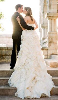 Wedding dress idea; Featured Photographer: Taylor Lord Photography